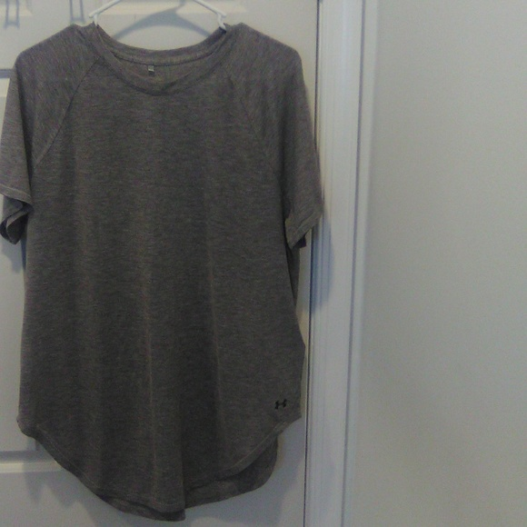 Under Armour Tops - Womans top
